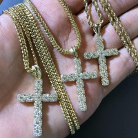 10K Medium 3D Cross Pendant
